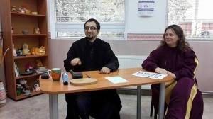 Съдия Бухалов и прокурор Лисичкова очакват кандидат-осиновителите на плюшени играчки